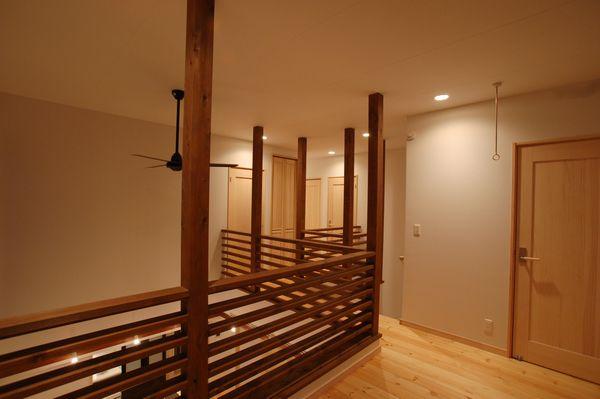 2階ホール・手すり
